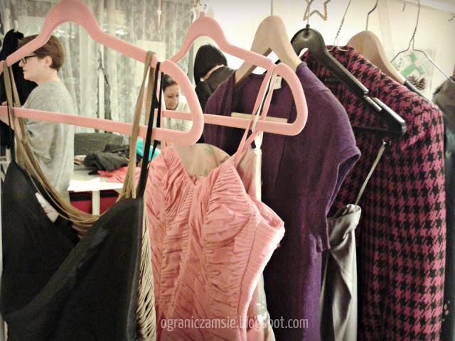garderoba, szafa, ubrania