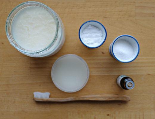 pasta do zebow, domowa pasta, zeby, pasta bez fluoru, olej kokosowy