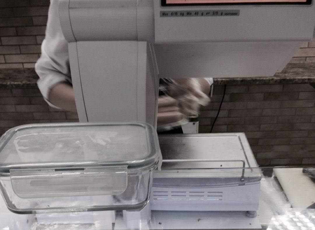 Dlaczego sprzedawcy nie chcą pakować do pudełek klienta