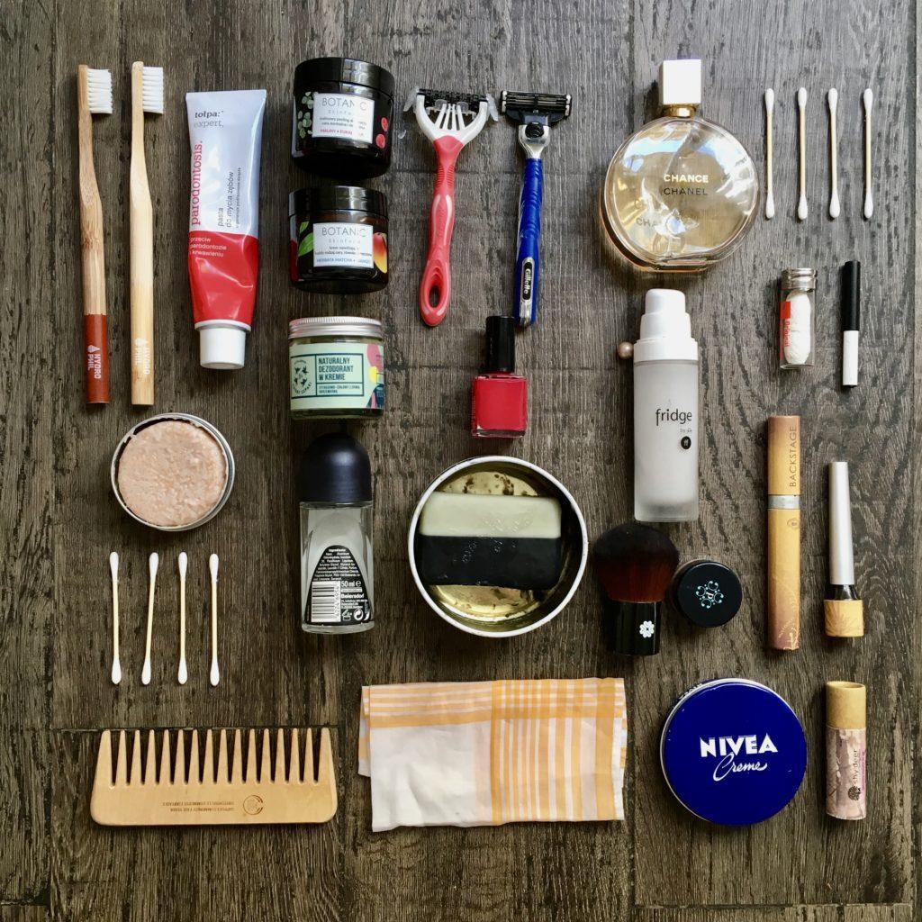 kosmetyczka zero waste w podróży