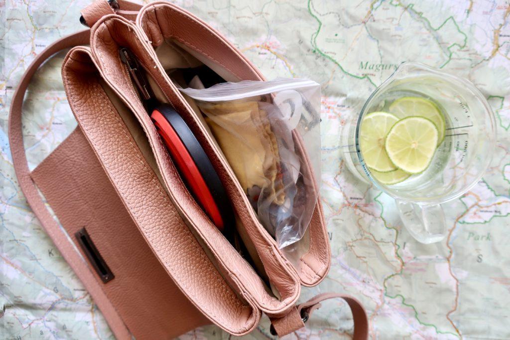 Domowe chusteczki antybakteryjne zmieszczą się nawet w małej torebce. Przepis na chusteczki nawilżane.